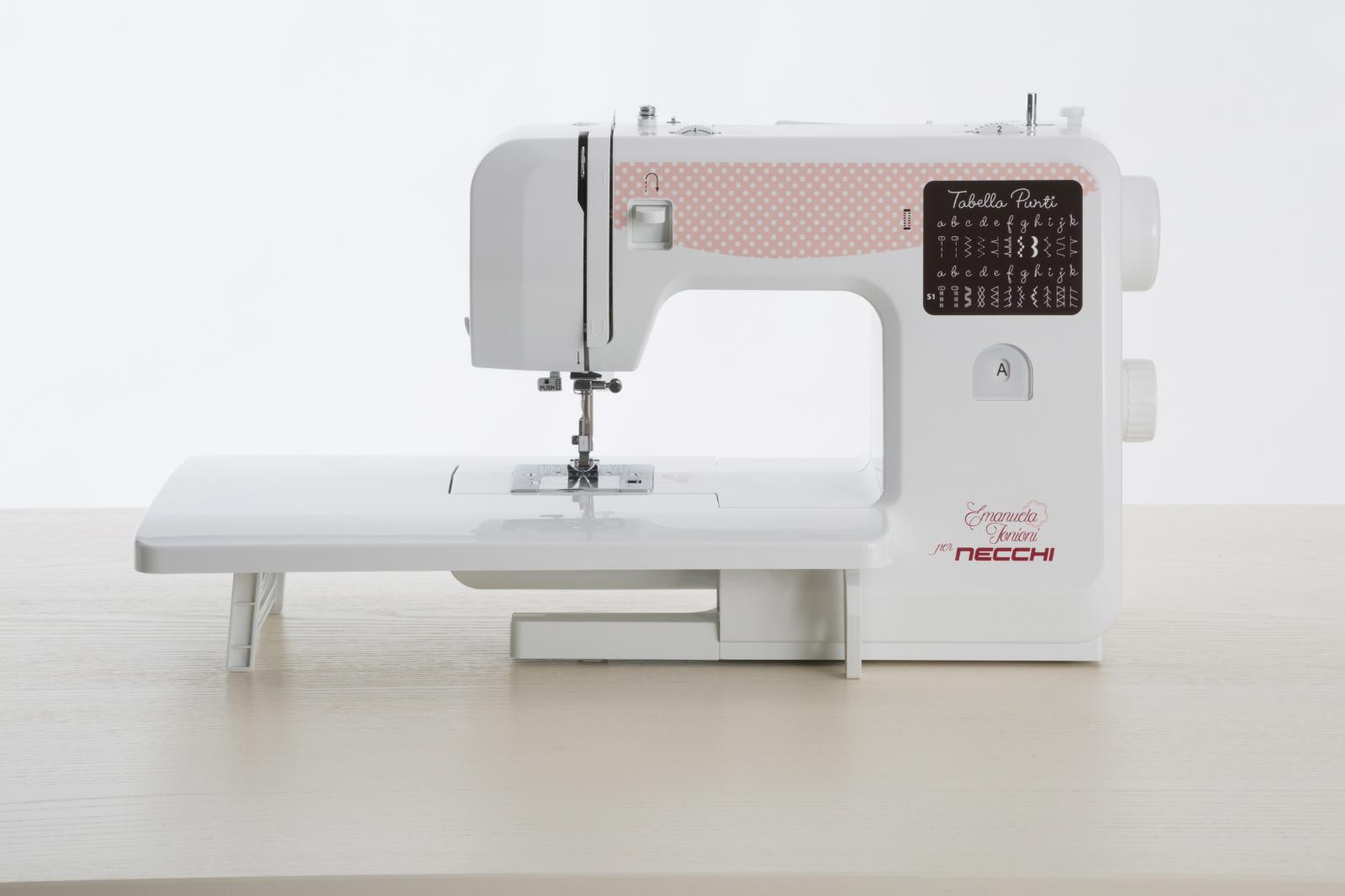Necchi-Zakka-130-con-tavolo-lavoro-5496